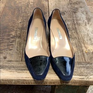 Oscar de La Renta blue suede shoes size 40.
